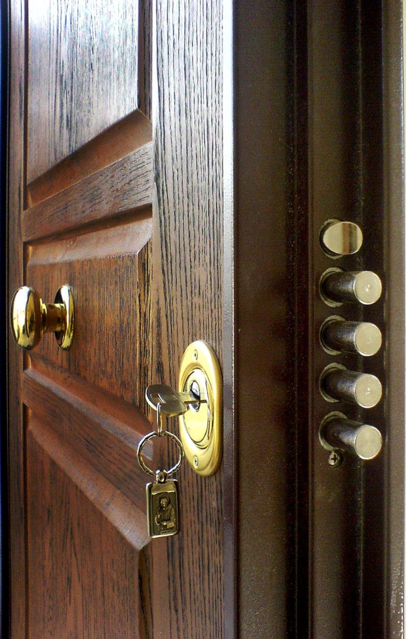 Sostituire Pannello Porta Blindata sostituzione serratura porta blindata milano — sostituzione